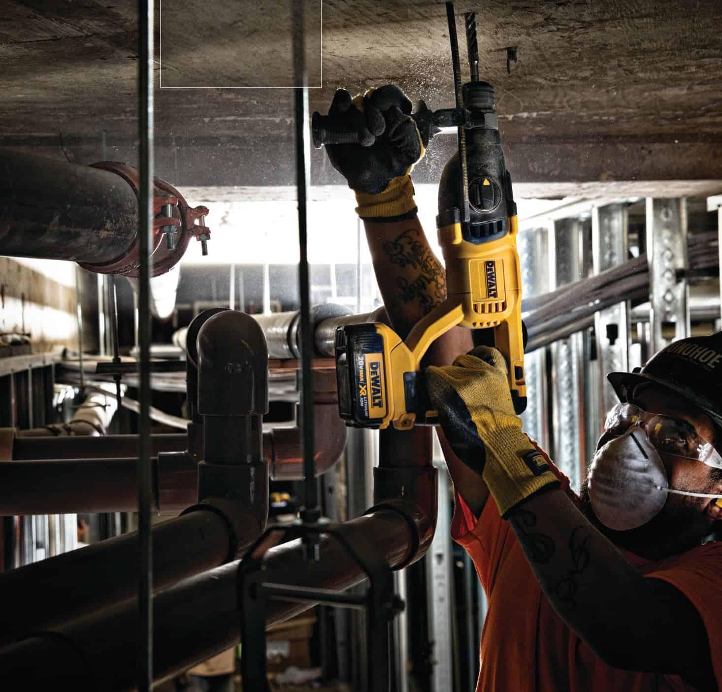 - 18V XR SDS + Brushless Hammer 4Ah