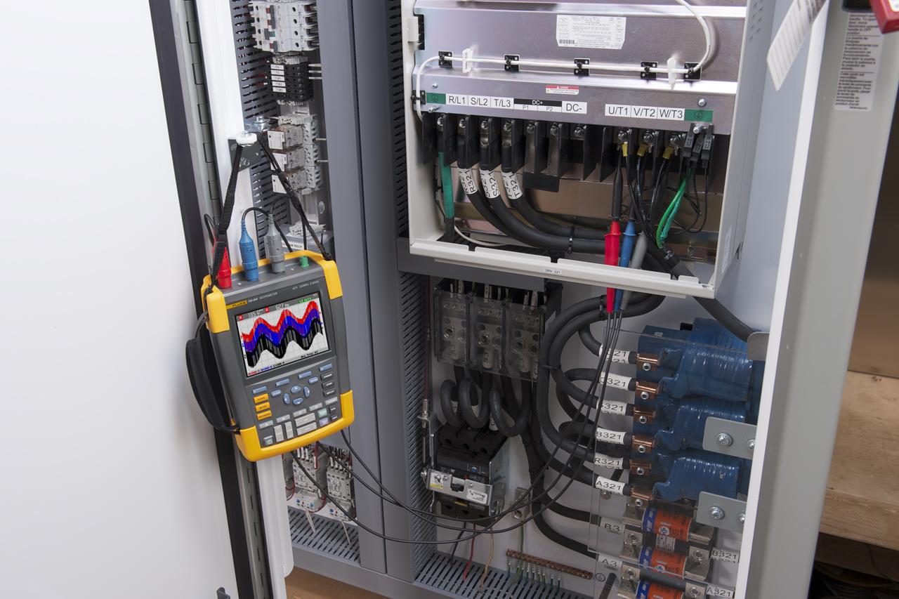 FLUKE 190-202-S - ScopeMeter 2 Channel 200MHZ Color SCC