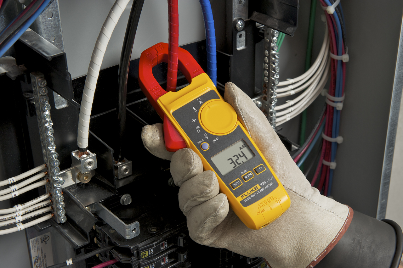 FLUKE 324 - True RMS Clamp Meter