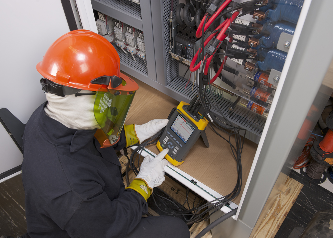 FLUKE 435-II-INTL - Advanced Power Quality and energy analyzer