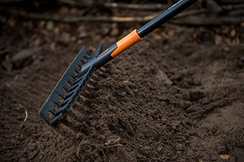 Fiskars_ 135066_Solid Universal Garden rake 1 - Solid Universal Garden Rake