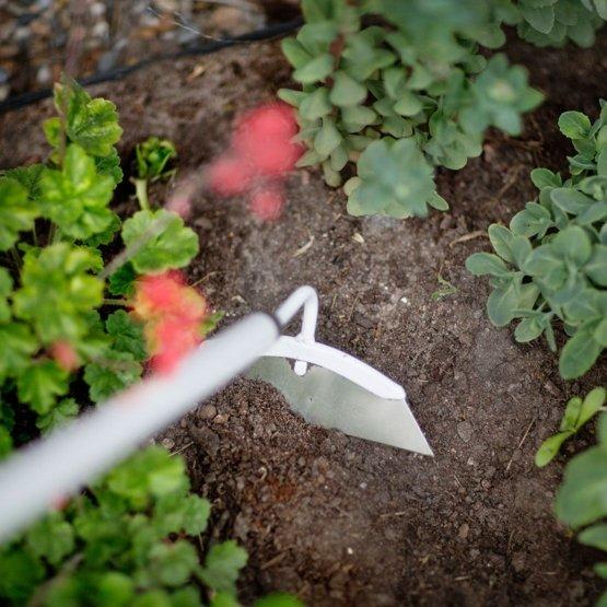 Fiskars_111260_Light Hoe 2 - Garden Light, Weeding-Hoe