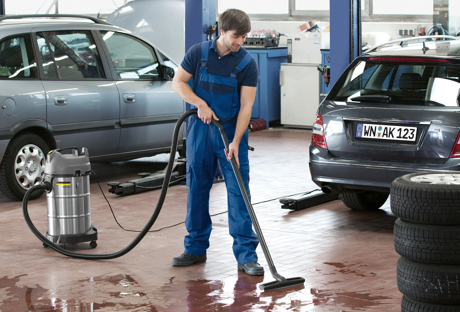 - NT 38/1 Wet And Dry Vacuum Cleaner