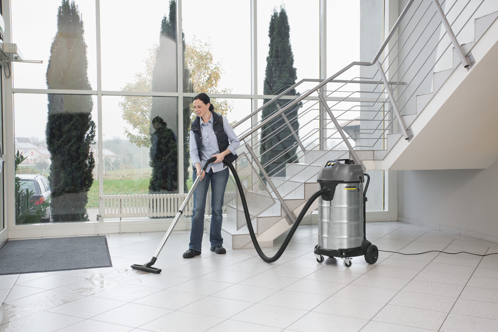 - NT 90/2 Wet and Dry Vacuum Cleaner