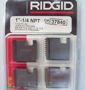RIDGID 37840 - Pipe Die Set Npt – 1-1/4inch